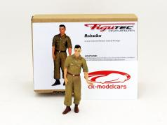 Italien mechanics figure pushes the race car  1:18 Figutec