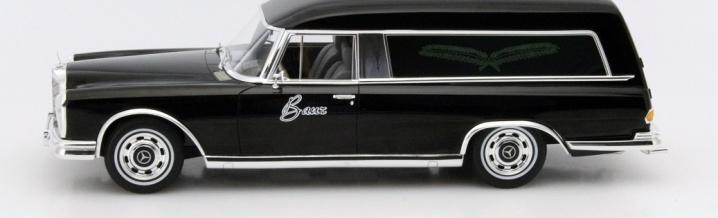 The last way: Mercedes-Benz 600 Hearse