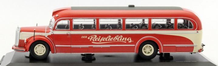 Mercedes-Benz O 6600 in 1:43 – kleine Busse, großes Thema