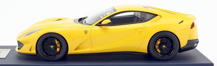 Bildschöner Italiener: Ferrari 812 Superfast von LookSmart