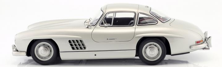 Extremly big: Mercedes-Benz 300 SL in scale 1:8