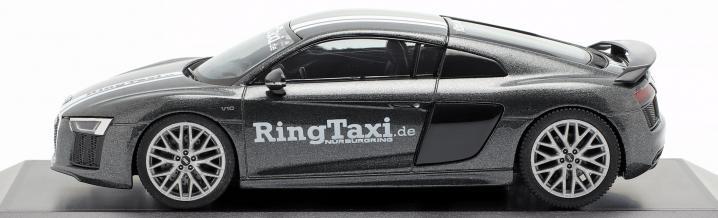 Ringtaxi für die Vitrine: Audi R8 V10 plus von Herpa