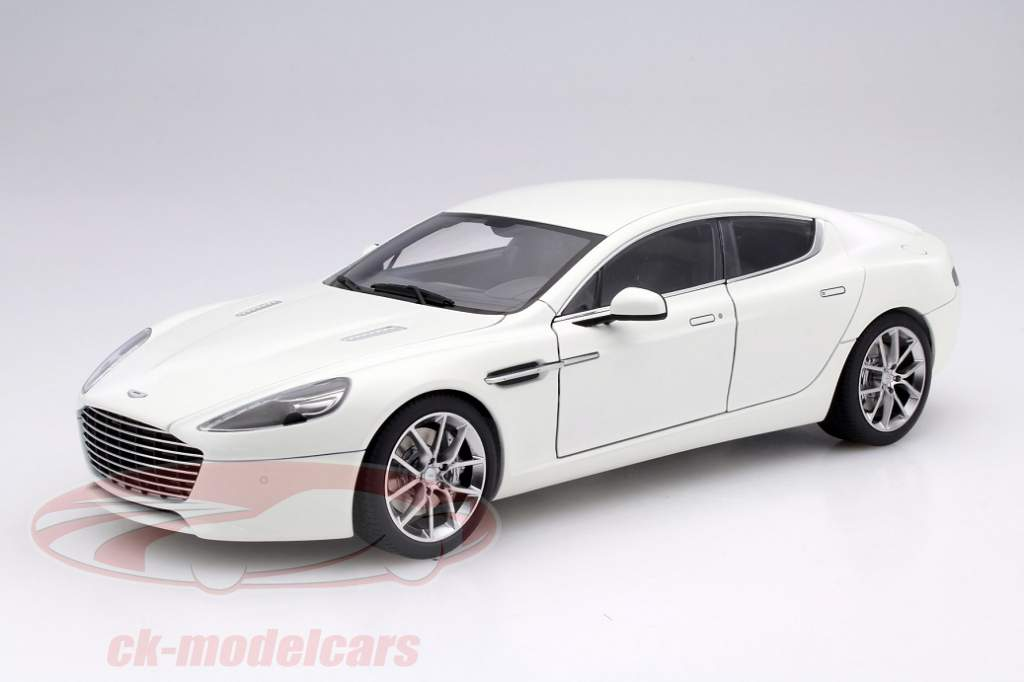 Aston Martin Rapide S Like Panamera Just More Beautiful - Aston martin four door