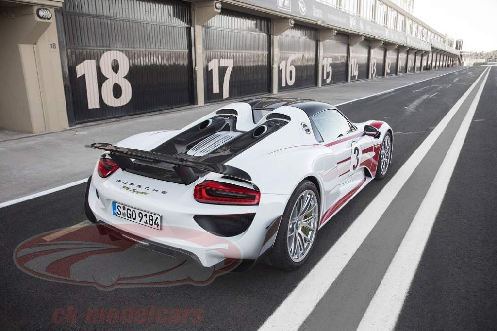 Minichamps And The Porsche 918 Spyder With Weissach Package