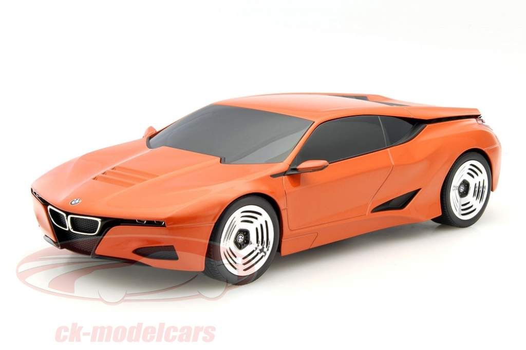 BMW M1 homage celebrates resurrection in 1:18
