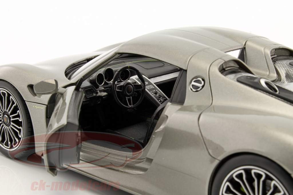 Porsche 918 Spyder Hard-Top gray metallic 1:18 Welly