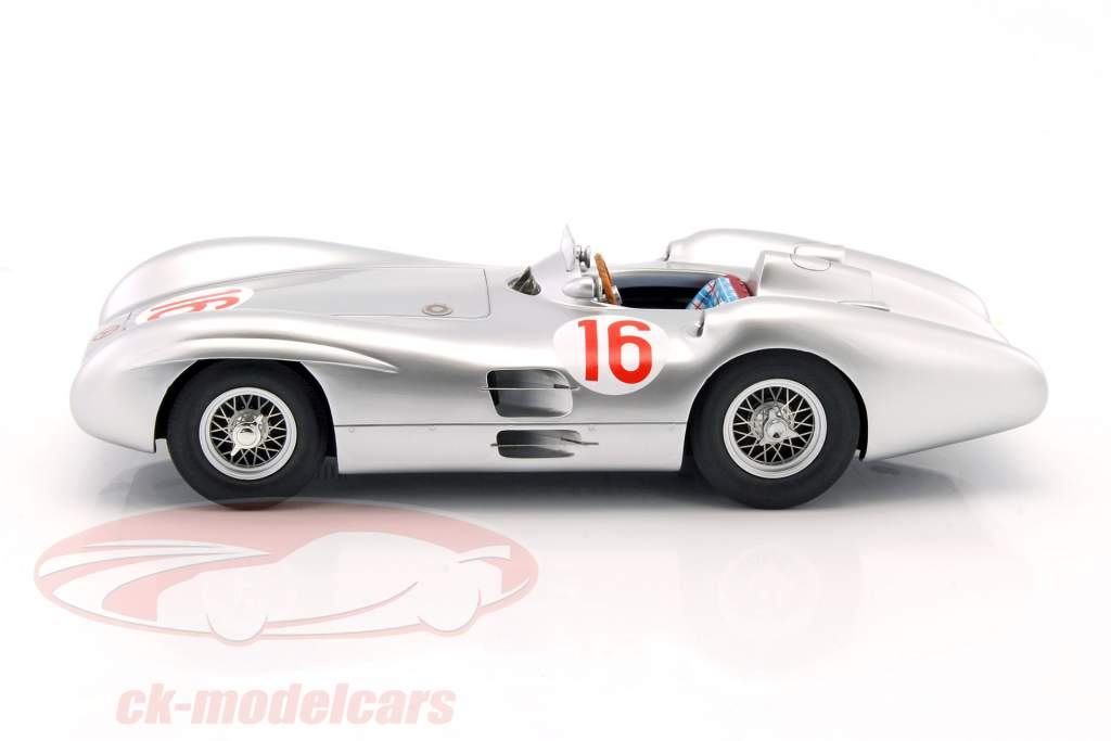 J.M. Fangio Mercedes-Benz W196 Stromlinie #16 World Champion formula 1 Winner GP Italy 1954 1:18 CMR