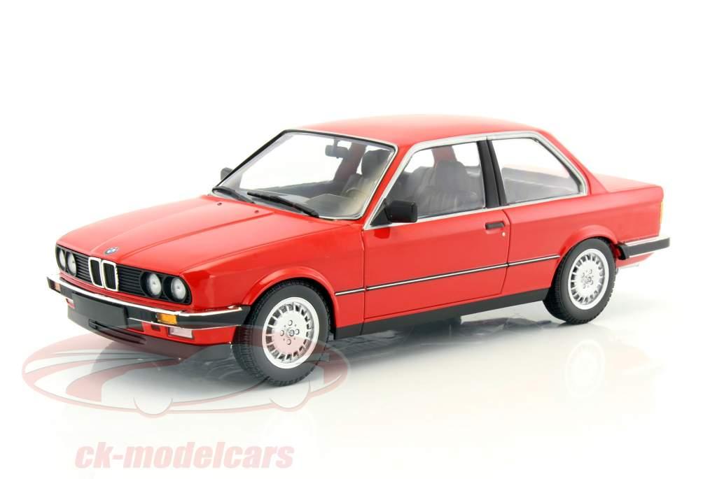 ck modelcars 155026000 bmw 323i e30 year 1982 red 1 18 minichamps ean 4012138141247. Black Bedroom Furniture Sets. Home Design Ideas