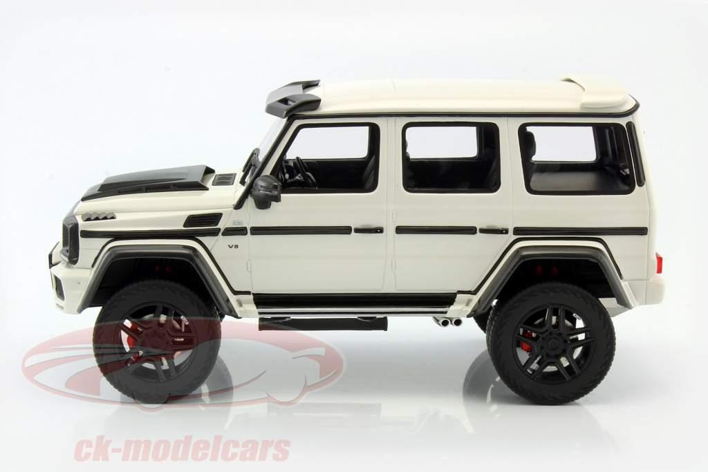 Brabus 500 4x4 white 1:18 GT-SPIRIT