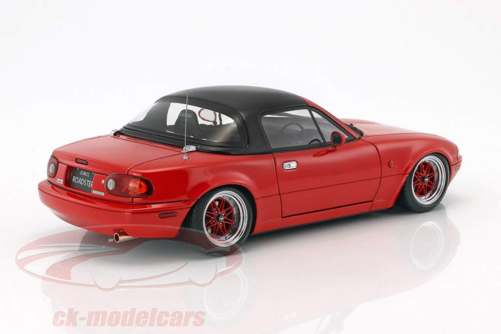 Eunos Roadster (NA) rosso 1:18 Ignition Model
