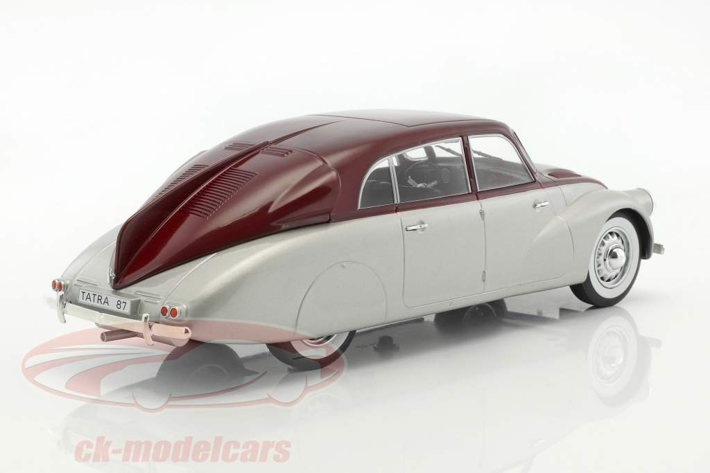 Tatra 87 argento / porpora 1:18 Model Car Group