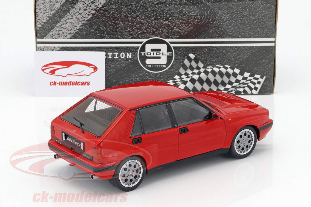 Lancia Delta HF Integrale 16V year 1990 red 1:18 Triple9
