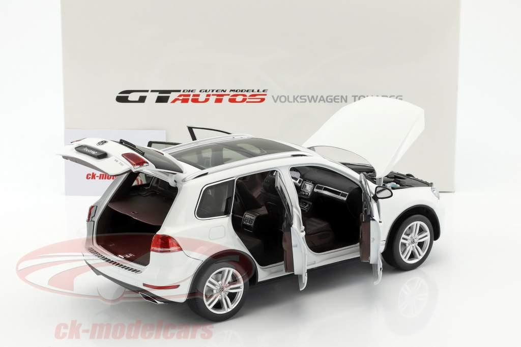 Volkswagen VW Touareg anno di costruzione 2012 bianco 1:18 Welly GTA