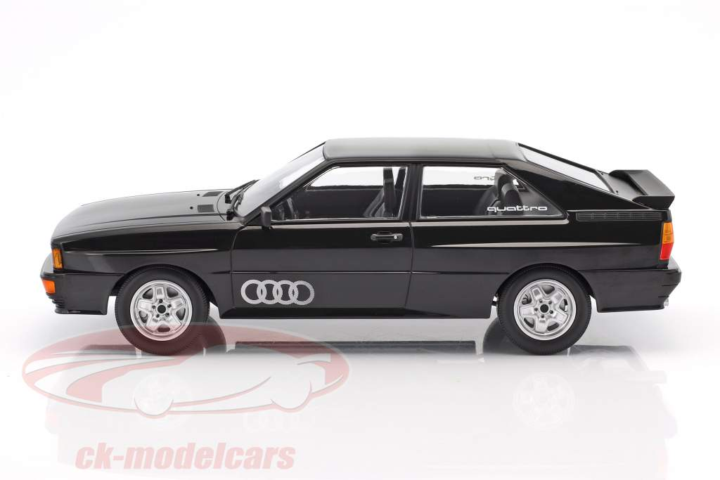 Audi Quattro Baujahr 1980 schwarz metallic 1:18 Minichamps