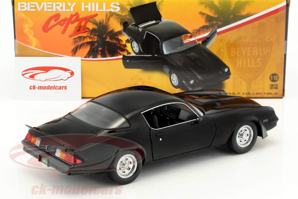 Chevrolet Camaro Z28 Baujahr 1978 aus dem Film Beverly Hills Cop II (1987) schwarz 1:18 Greenlight