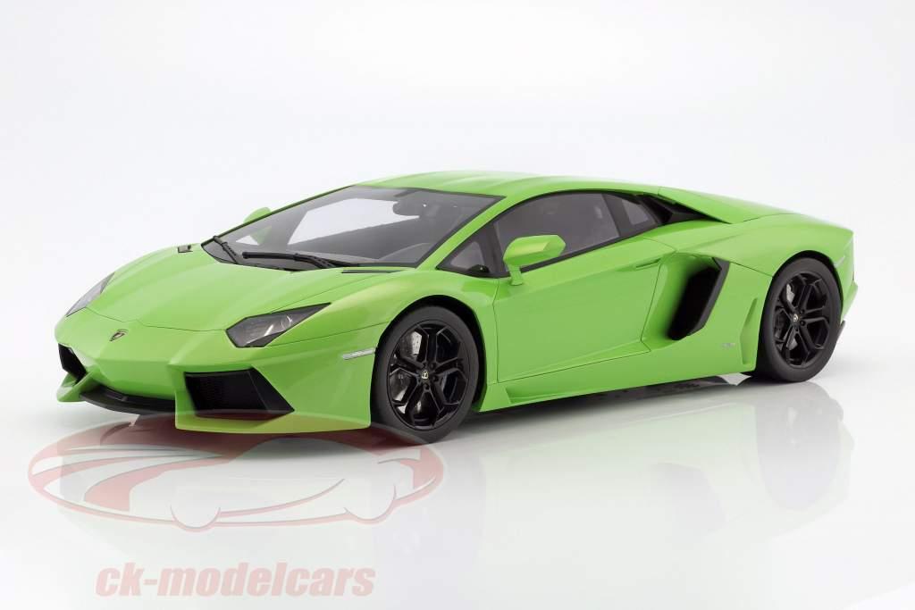 Lamborghini Aventador LP 700-4 verde 1:12 GT-SPIRIT