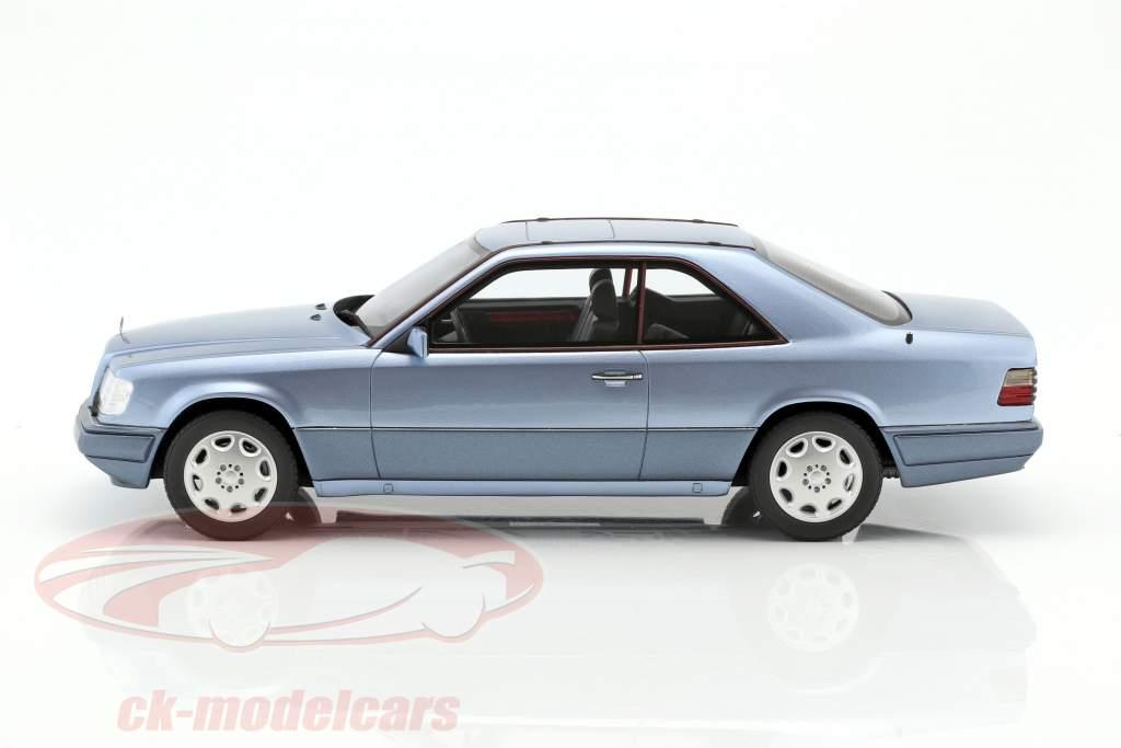 Mercedes-Benz E320 (C124) Coupe year 1986 blue 1:18 OttOmobile