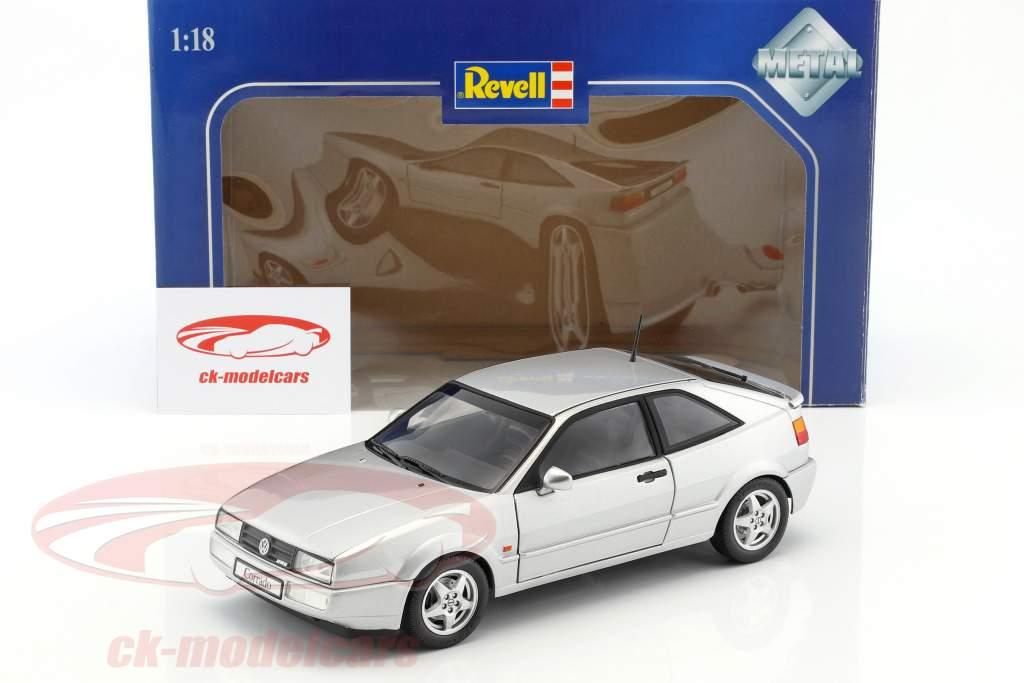Volkswagen VW Corrado VR6 anno di costruzione 1991 argento metallico 1:18 Revell