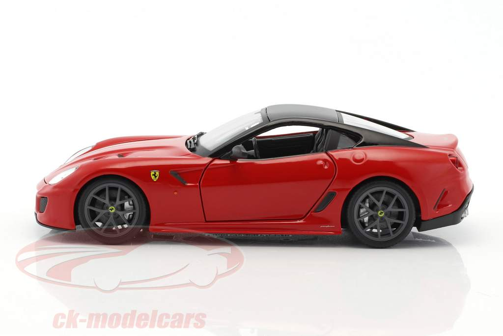 Ferrari 599 GTO red / black 1:24 Bburago