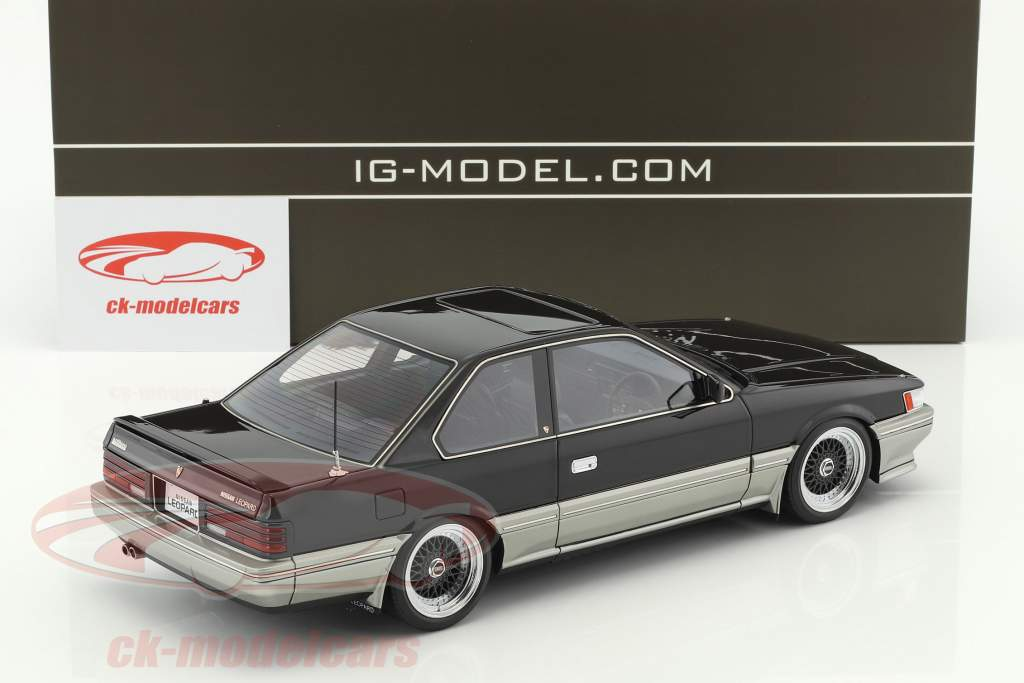 Nissan Leopard 3.0 Ultima (F31) black 1:18 Ignition Model
