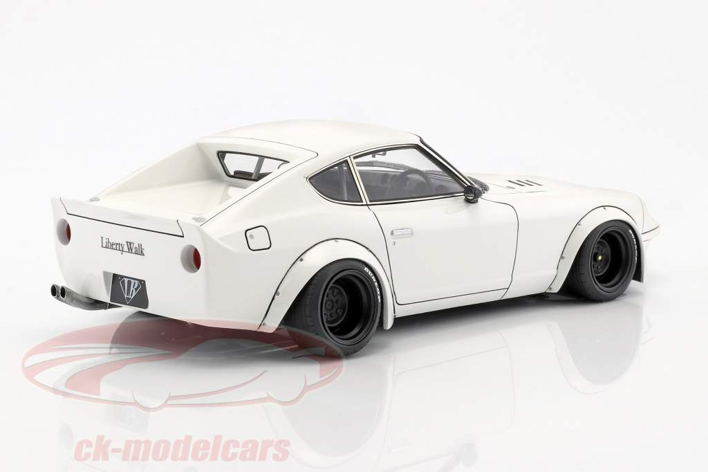 LB-Works Nissan Fairlady Z (S30) white 1:18 Ignition Model