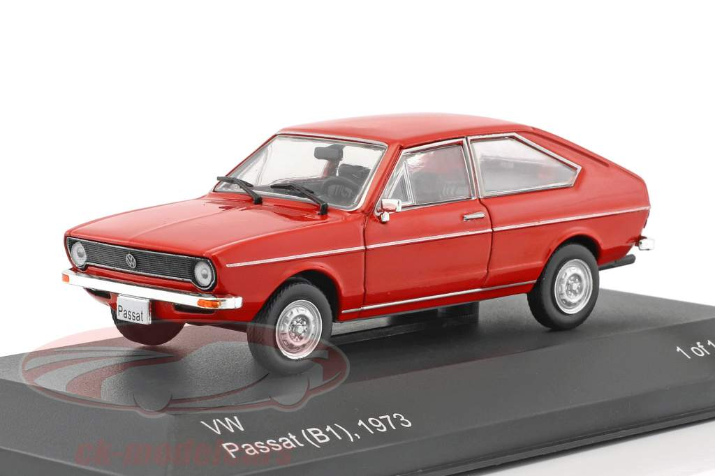 Volkswagen VW Passat B1 année de construction 1973 rouge 1:43 WhiteBox
