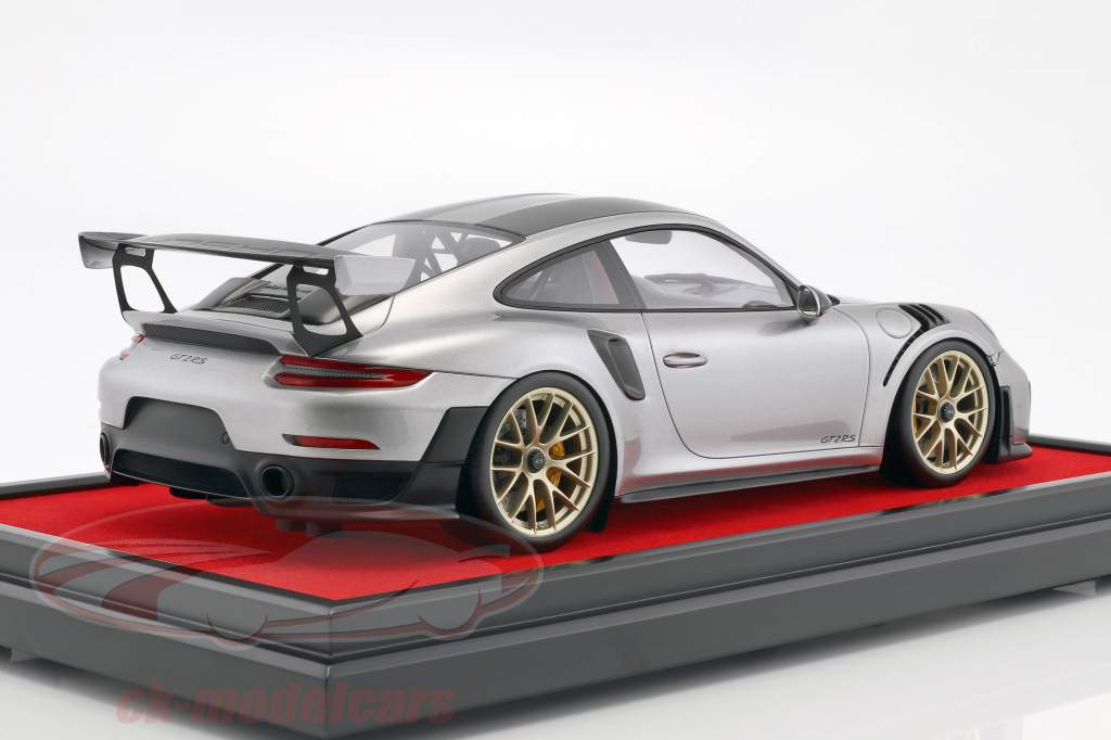Porsche 911 (991 II) GT2 RS Weissach Package 2017 with Showcase silver 1:12 Spark