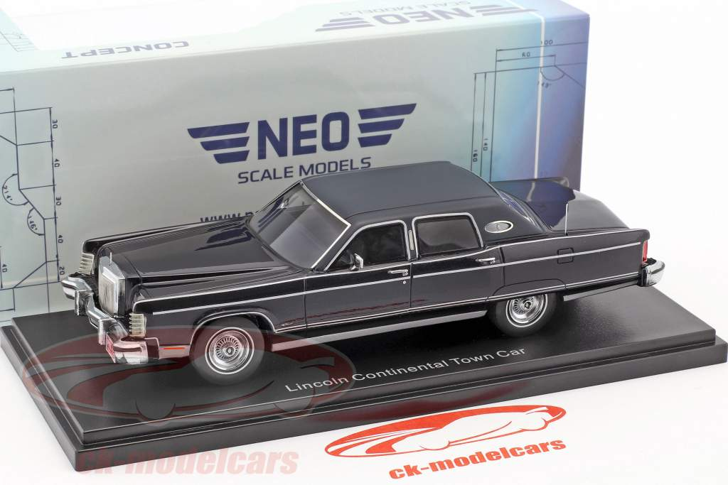 Lincoln Continental Town Car year 1977 dark blue metallic 1:43 Neo