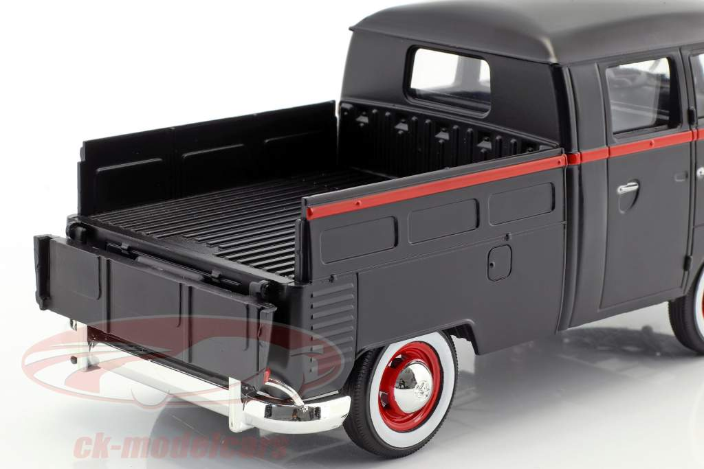 Volkswagen VW Type 2 T1 Pick up Hot Rod 8 Ball mat black / red 1:24 MotorMax