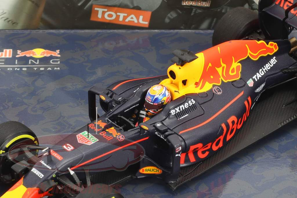 Ricciardo #3 & Verstappen #33 2-Car set Red Bull RB12 1-2 finish Malaysian GP F1 2016 1:43 Minichamps