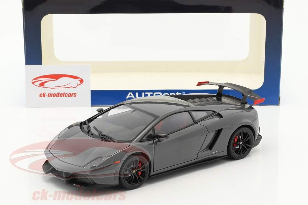 Lamborghini Gallardo LP570 Supertrofeo Stradale year 2011 gray 1:18 AUTOart