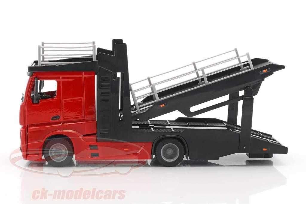 Mercedes-Benz Actros transporteur de voitures rouge / noir avec Renault Captur bleu métallique 1:43 Bburago