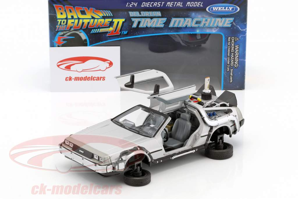 DeLorean Time Machine Flying Wheel Version film Back to the Future II (1989) argento metallico 1:24 Welly