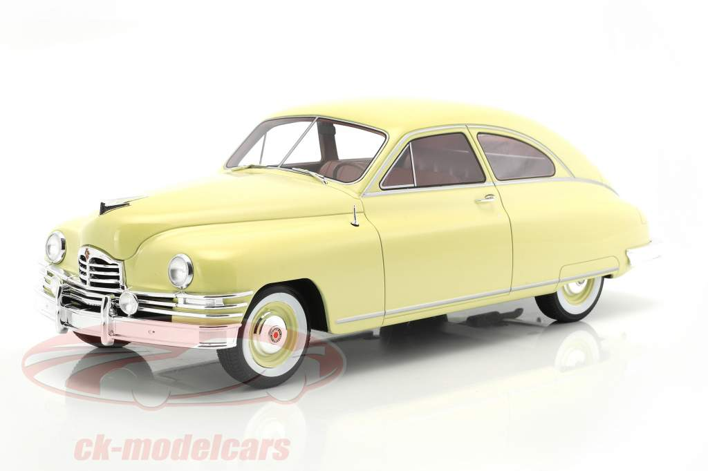 Packard DeLuxe Club Sedan 2-door year 1949 light yellow 1:18 BoS-Models