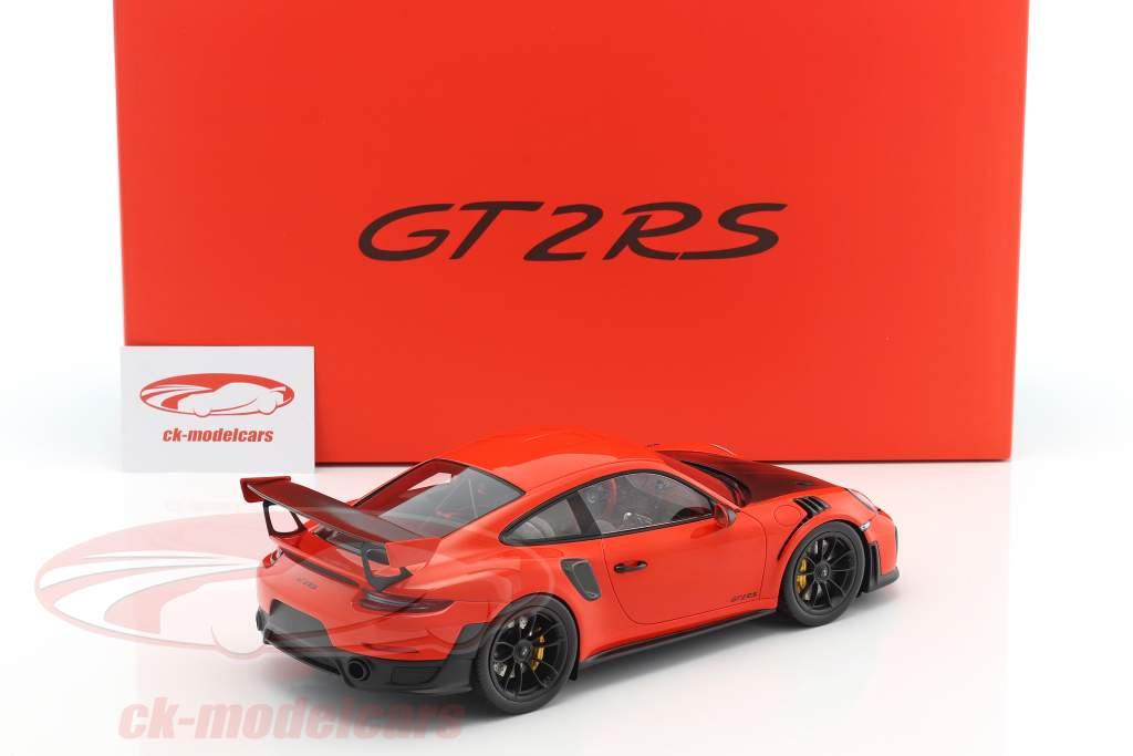 Porsche 911 (991) GT2 RS year 2017 with showcase lava orange 1:18 Spark