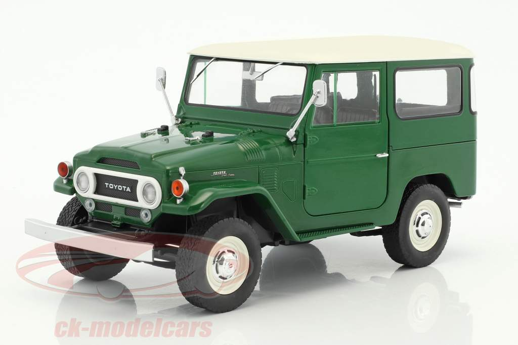 Toyota Land Cruiser FJ40 year 1967 green / white 1:18 Triple9