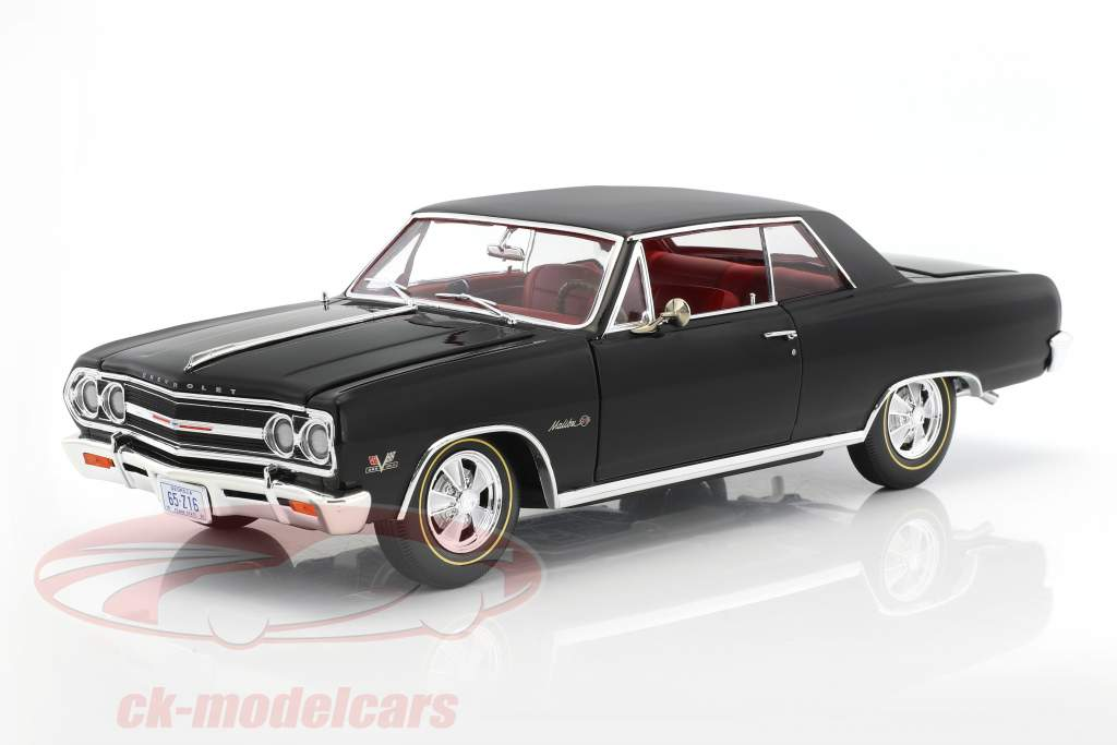 Chevrolet Malibu Z16 year 1965 black 1:18 GMP