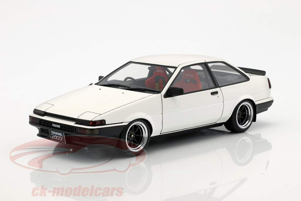 Toyota Sprinter Trueno (AE86) 2-Door GT Apex bianco 1:18 Ignition Model