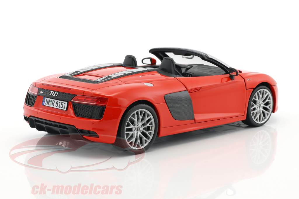 Audi R8 Spyder V10 dynamite red 1:18 iScale