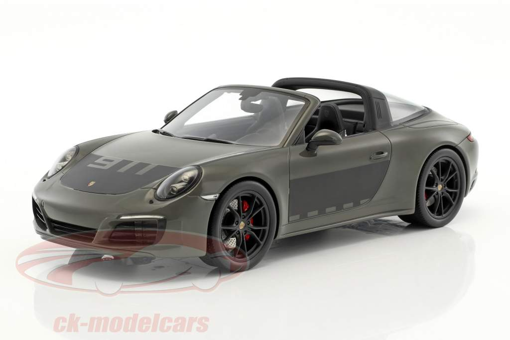 Porsche 911 (991 II) Targa 4S year 2017 dark gray / black with showcase 1:18 Spark