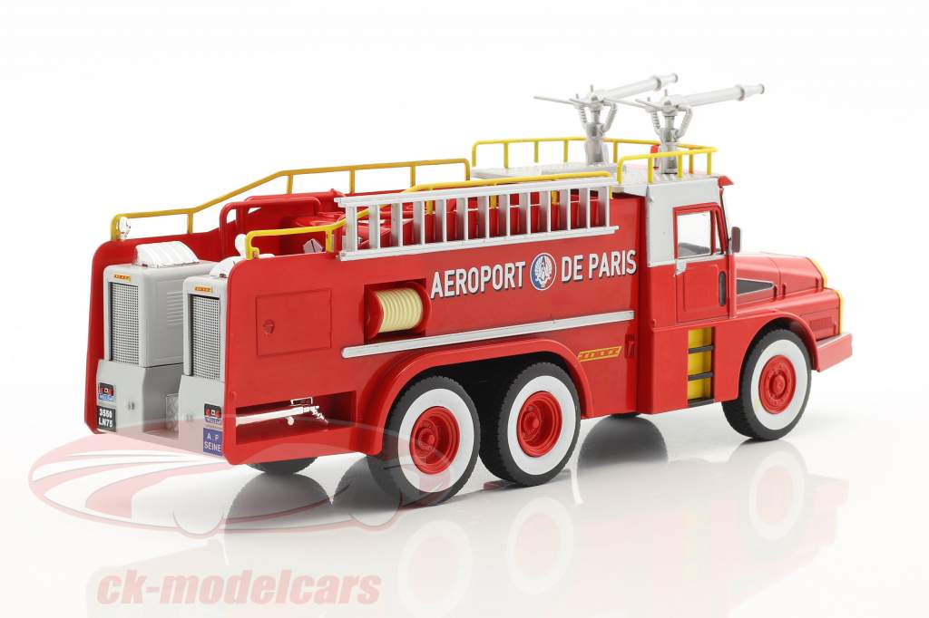 Willeme W8 6x6 Aeroport de Paris fire Department red / white / yellow 1:43 Atlas