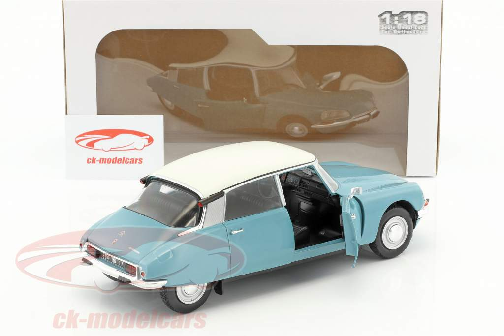 Citroen DS Special year 1972 light blue / white 1:18 Solido