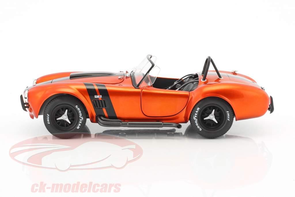 AC Cobra 427 MKII Baujahr 1965 orange metallic / schwarz 1:18 Solido