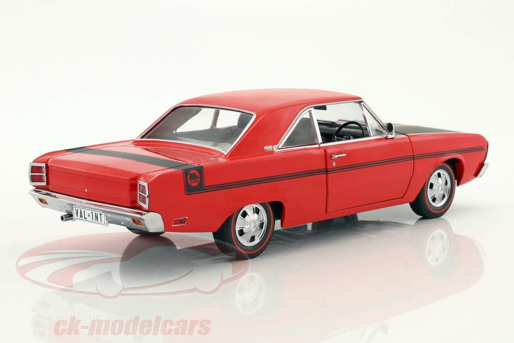 Chrysler Valiant VG Pacer year 1970 red / black 1:18 Greenlight