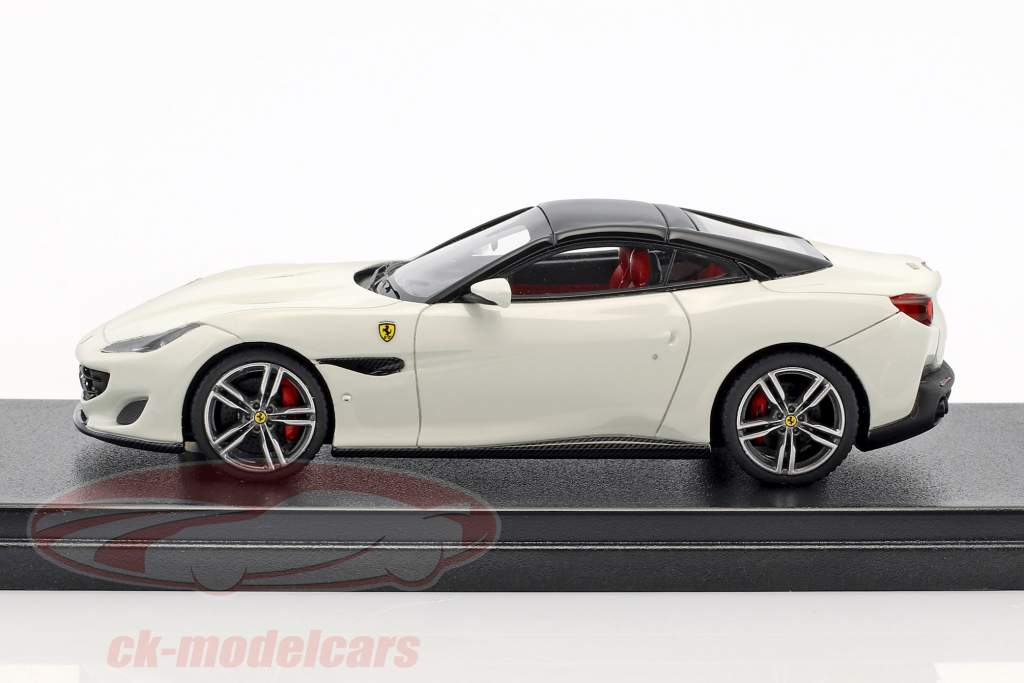 Ferrari Portofino year 2017 white / black 1:43 LookSmart