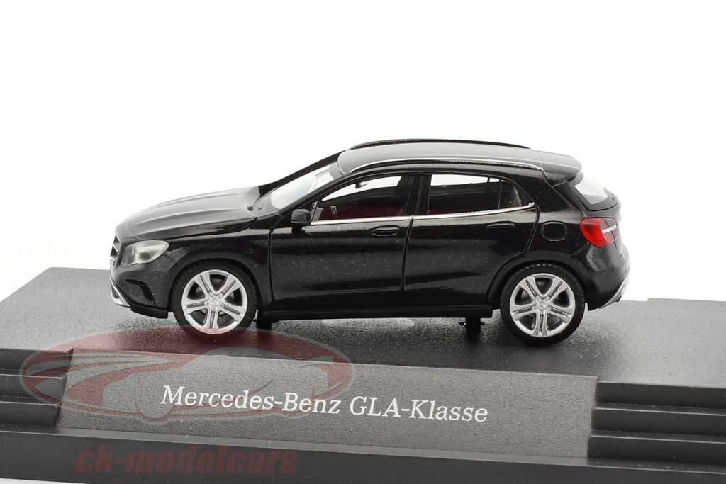 Mercedes-Benz GLA-Klasse kosmos schwarz metallic 1:87 Herpa