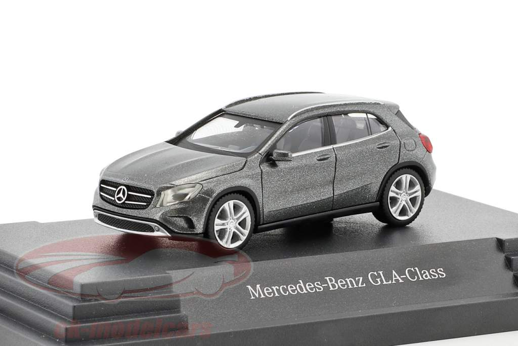 Mercedes-Benz GLA-Klasse mountain Gray metallic 1:87 Herpa