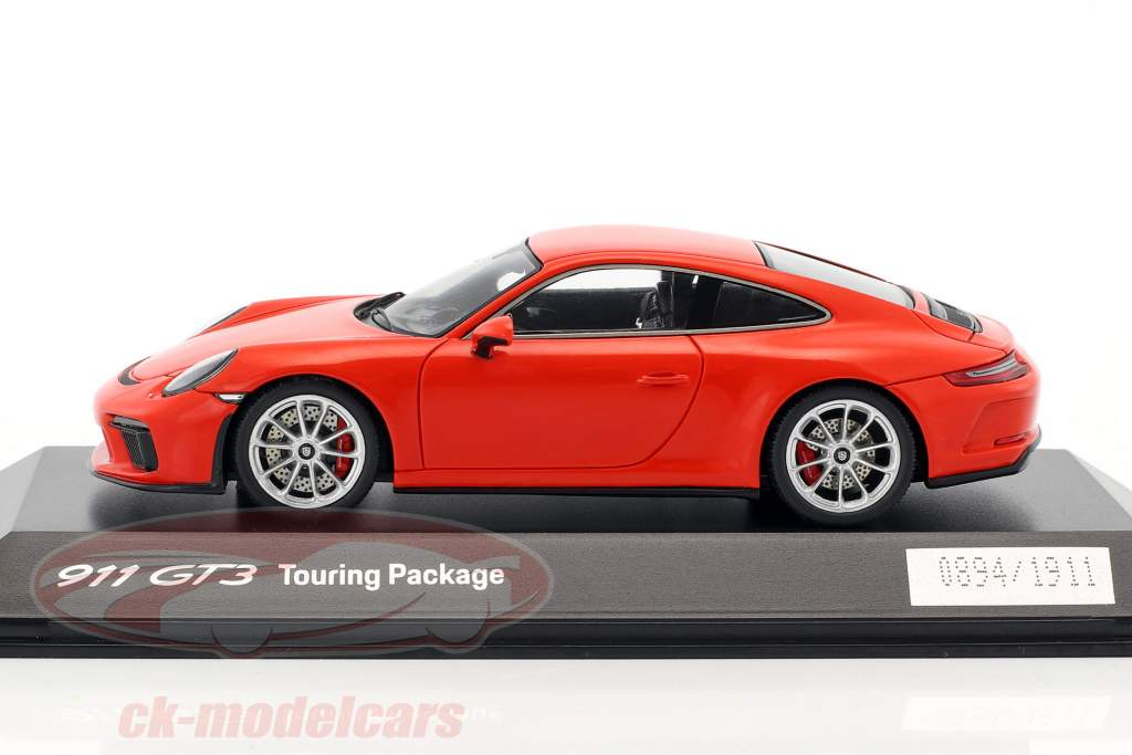 Porsche 911 (991 II) GT3 Touring Package 2017 lave orange 1:43 Spark