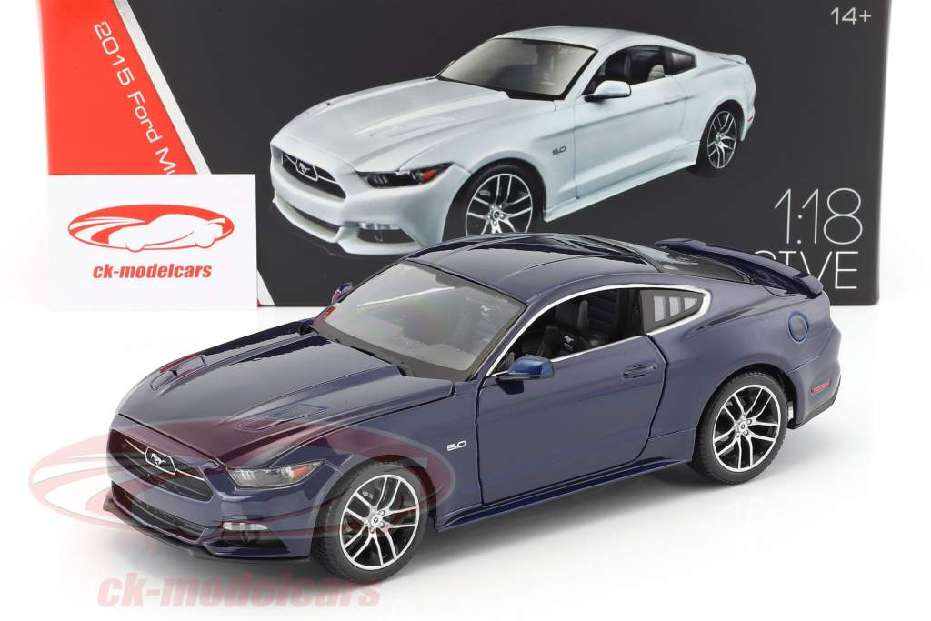 Ford Mustang GT anno di costruzione 2015 blu scuro 1:18 Maisto