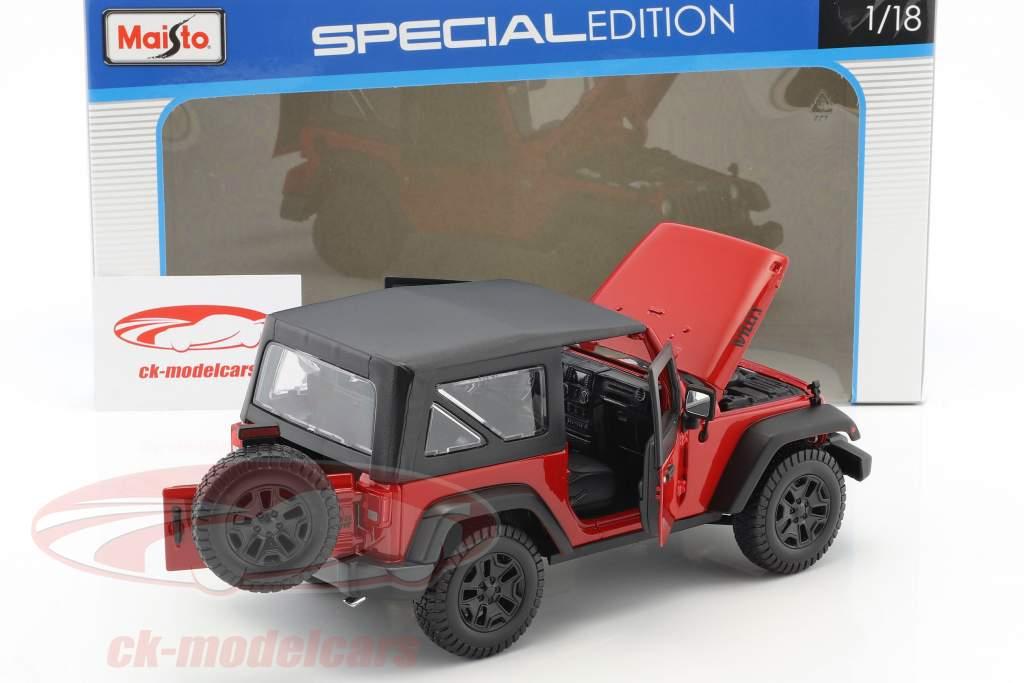 Jeep Wrangler Willys anno di costruzione 2014 rosso / nero 1:18 Maisto